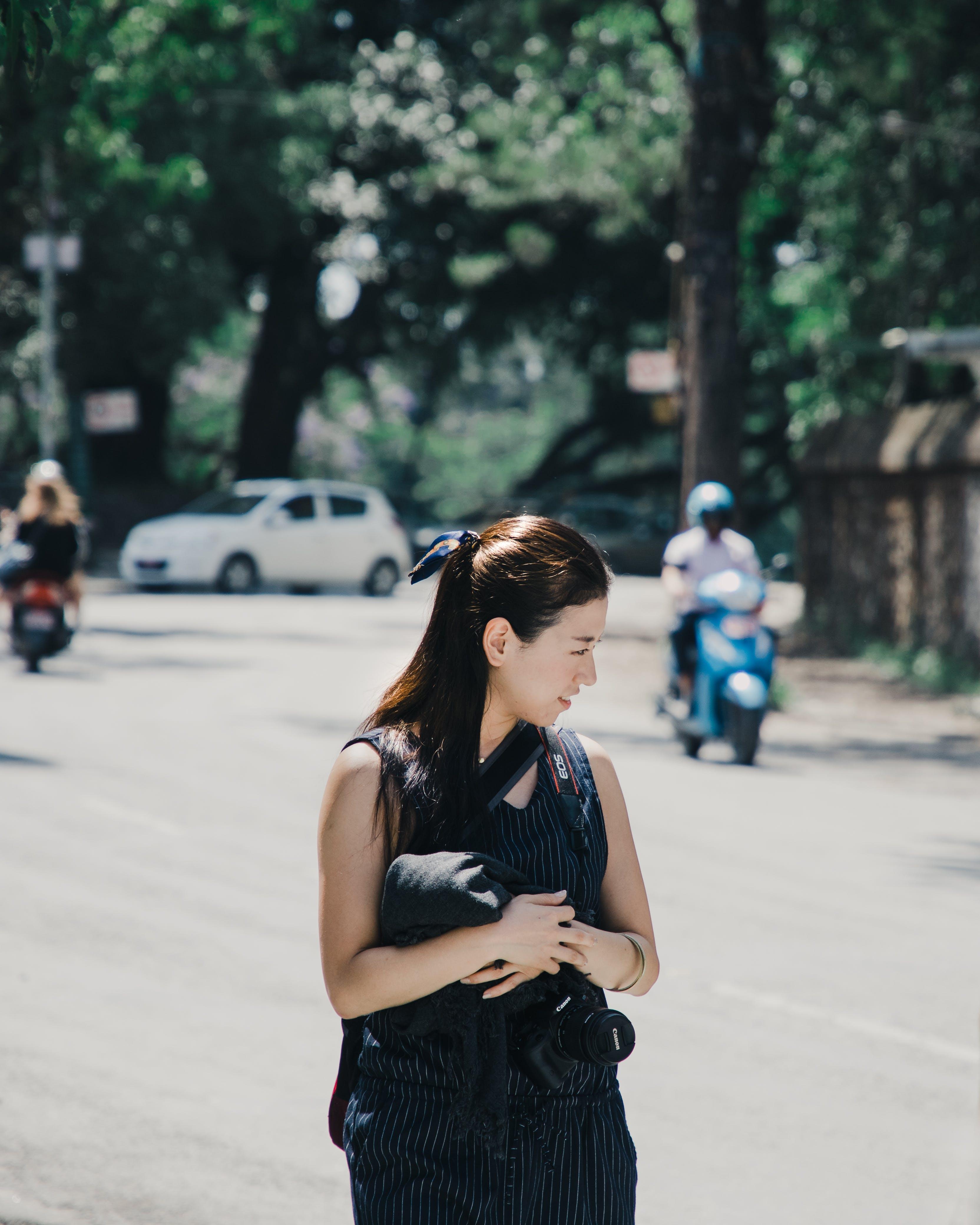 Základová fotografie zdarma na téma asiatka, asijská holka, fotoaparát, holka