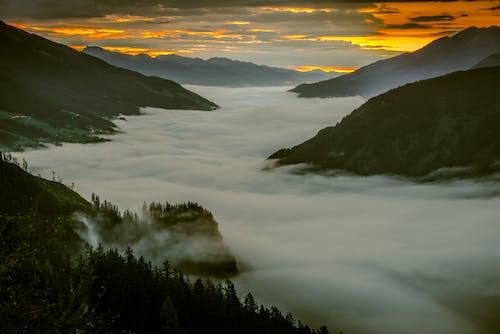 光, 夜明け, 山岳, 日の出の無料の写真素材