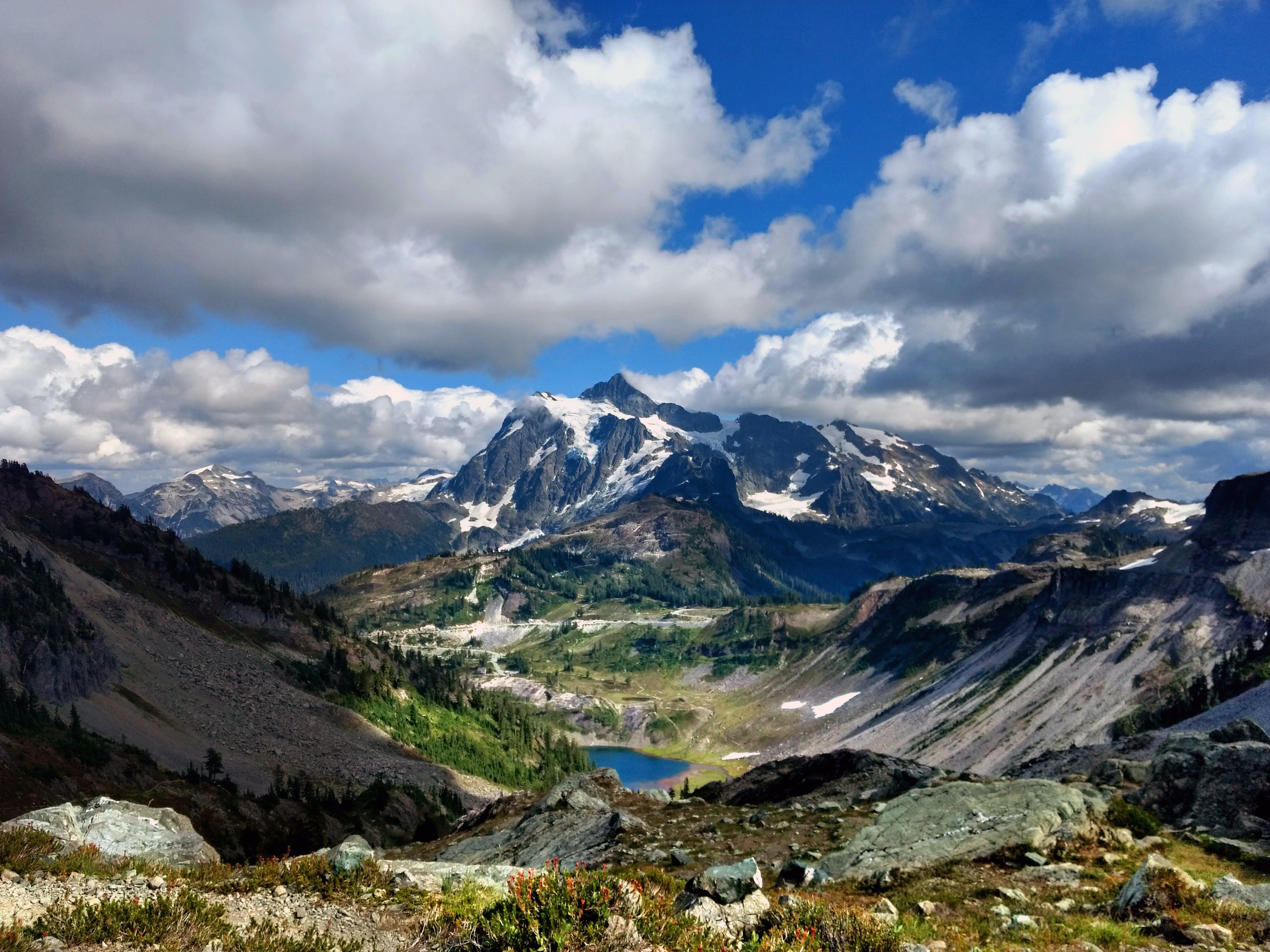 Kostenloses Stock Foto zu 4k wallpaper, alpin, berge, bewölkt