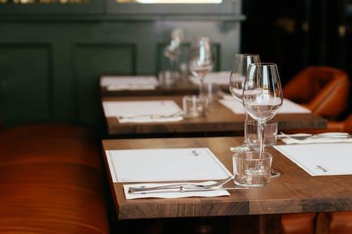 Gratis stockfoto met bestek, borrelglas, concentratie, dining