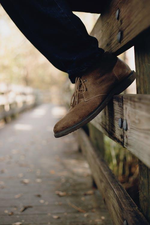 คลังภาพถ่ายฟรี ของ footswear, กั้นรั้ว, ความชัดลึก, พร่ามัว