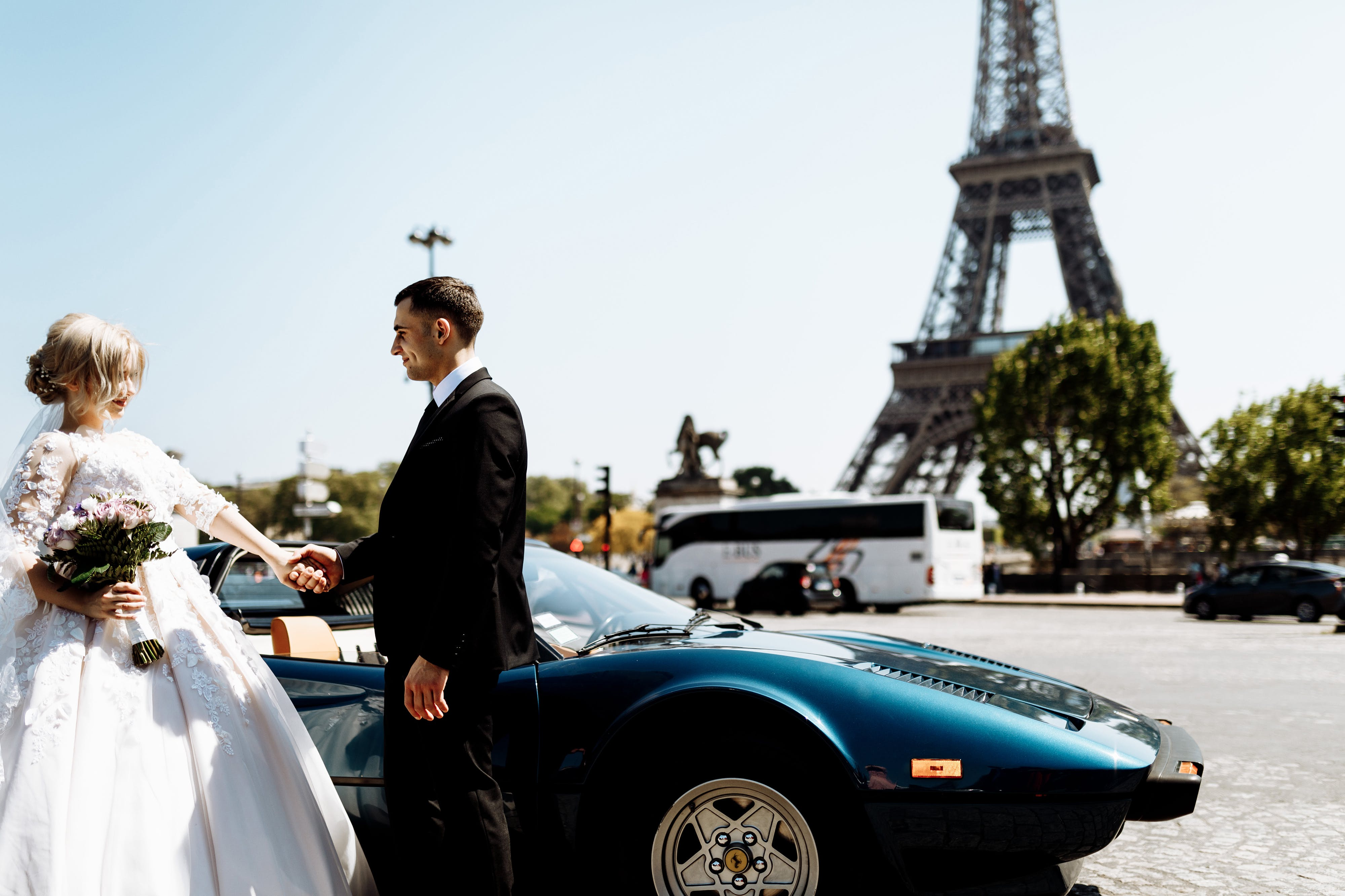 Photo of Newlywed in Paris