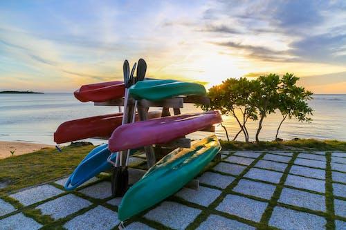 Δωρεάν στοκ φωτογραφιών με ακτή, αναψυχή, αποθήκευση, βάρκες