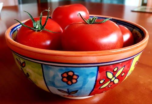 Бесплатное стоковое фото с красные помидоры, красные фрукты, красочный, миска с фруктами