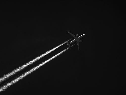 คลังภาพถ่ายฟรี ของ การบิน, ขาวดำ, ท้องฟ้า, มืด