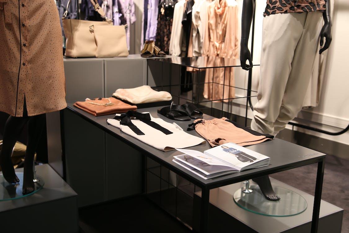 boutique, garderob, ha på sig