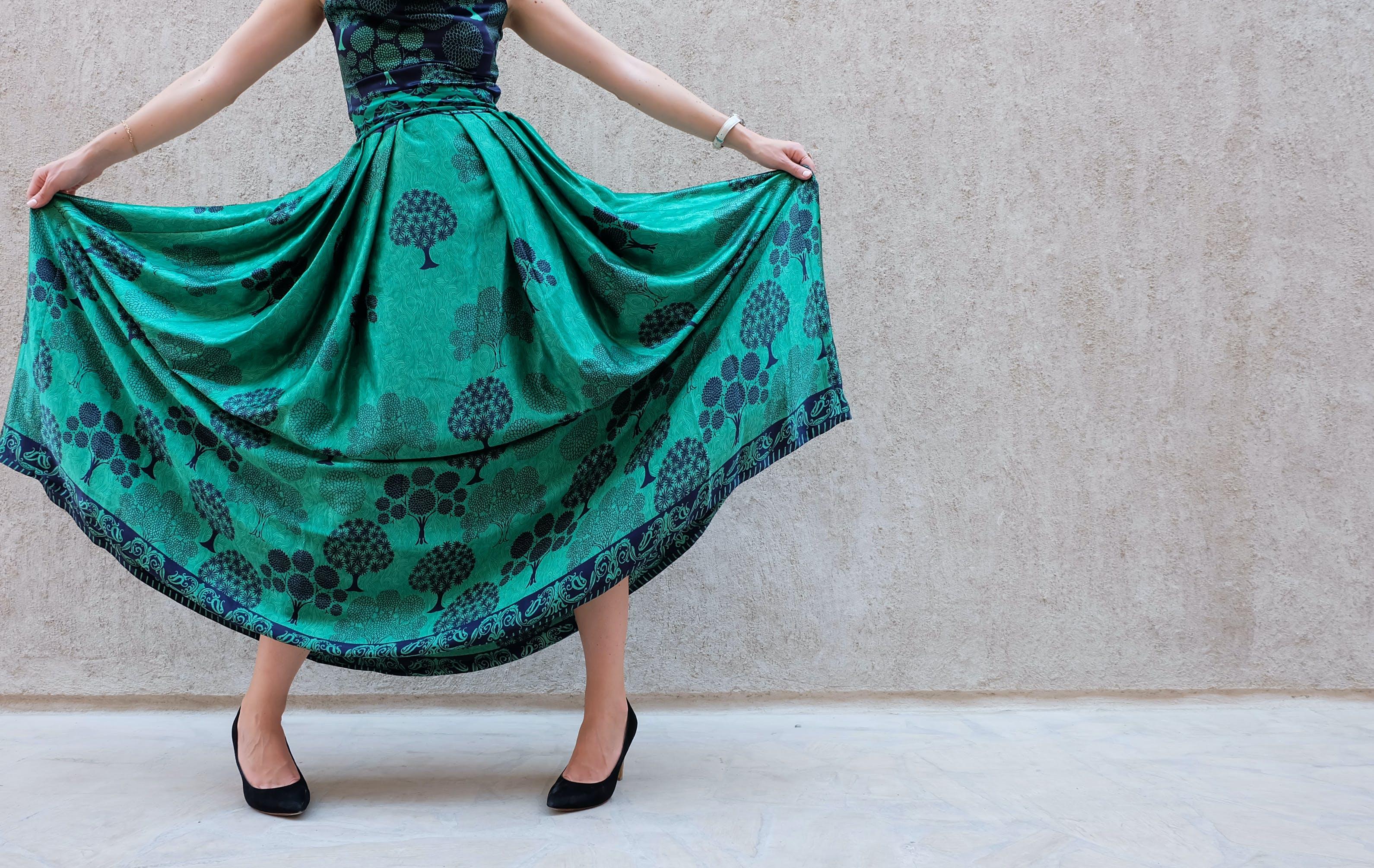 Immagine gratuita di abito, donna, gonna, indossare