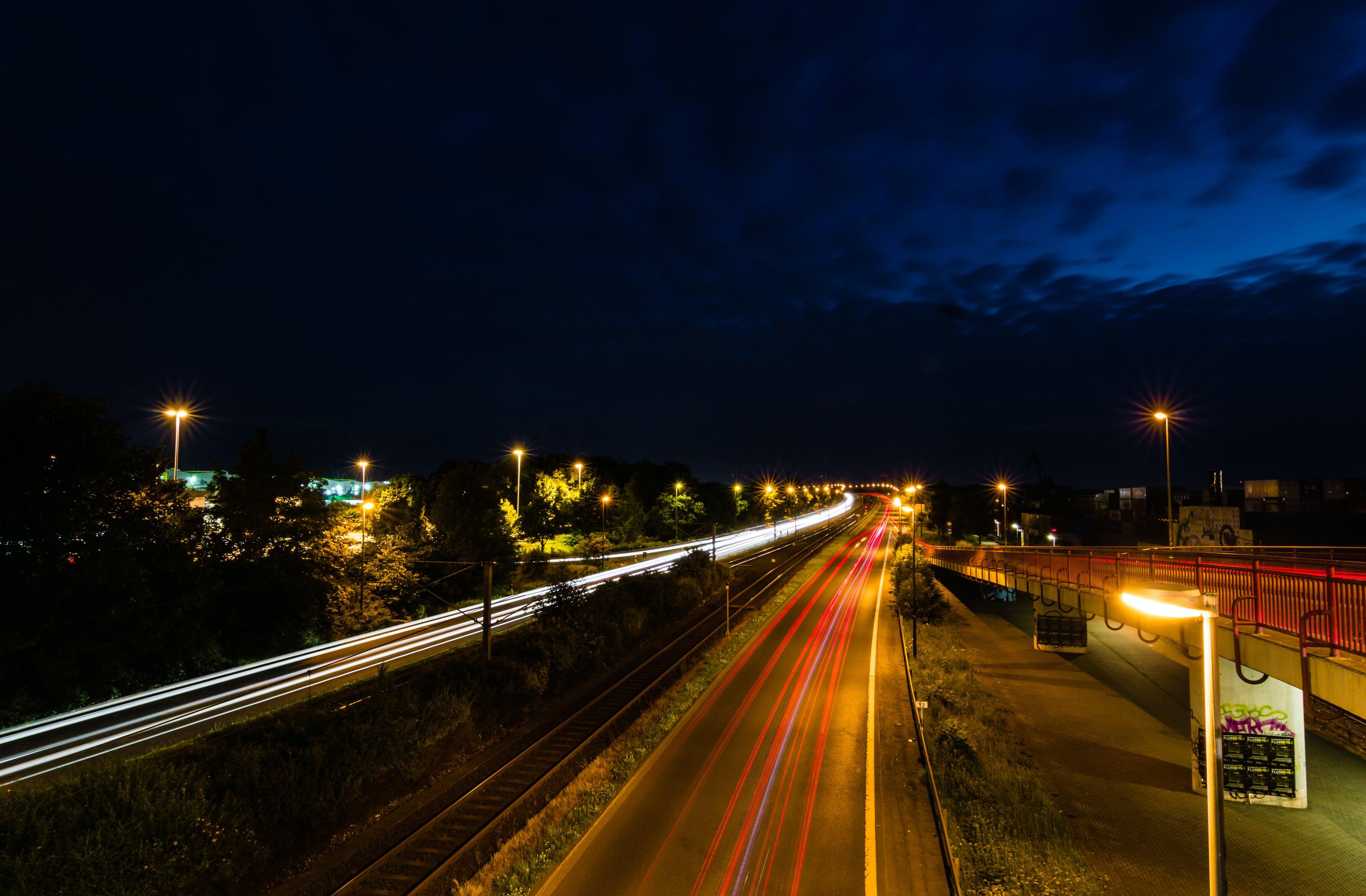Безкоштовне стокове фото на тему «довга експозиція, дорога, Ліхтарі, ніч»