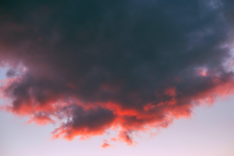 Kostenloses Stock Foto zu abend, dunkel, dunkle wolken, farbe