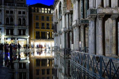 Fotos de stock gratuitas de arquitectura, calle, ciudad, columnas