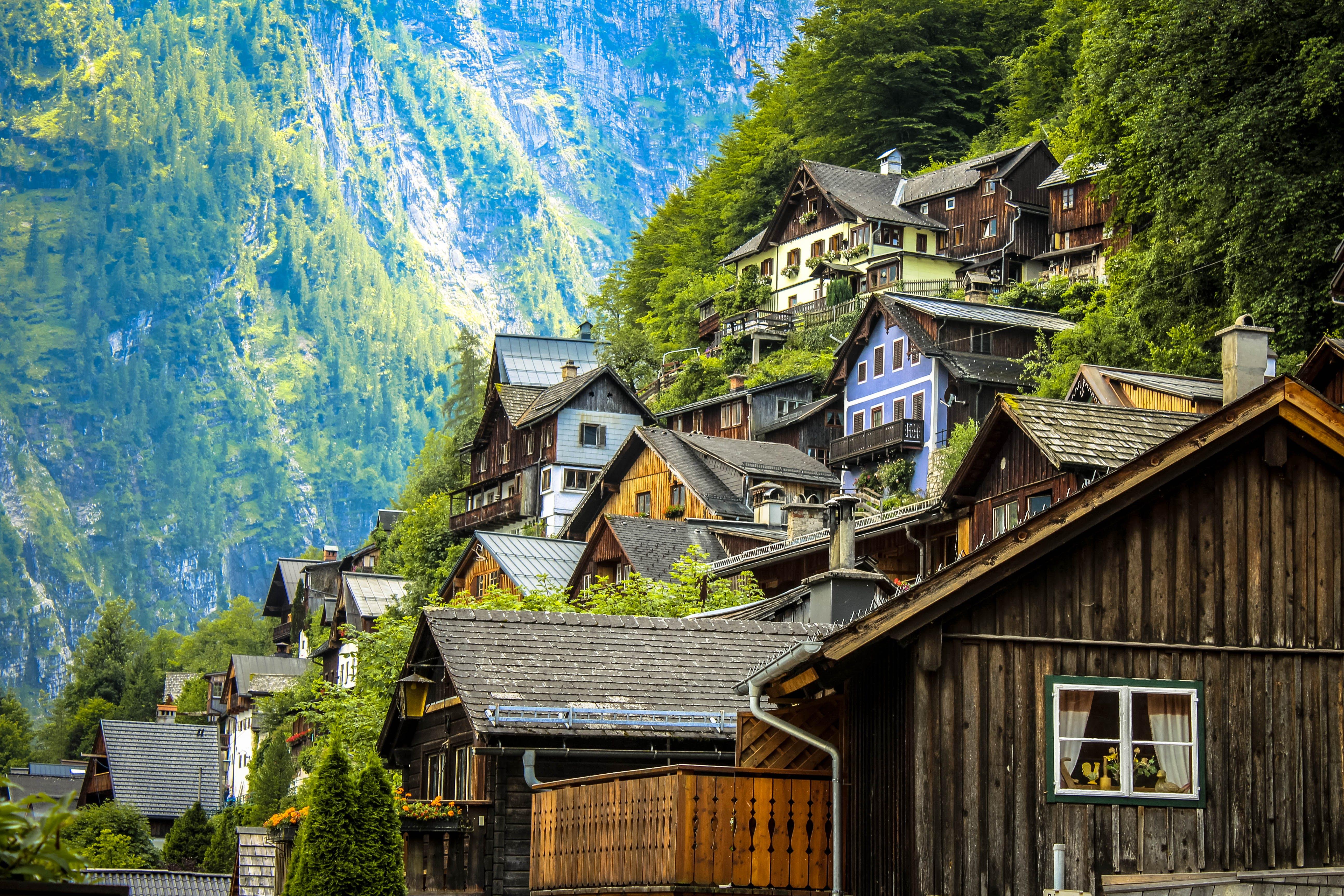 Kostenloses Stock Foto zu holz, landschaft, häuser, sommer