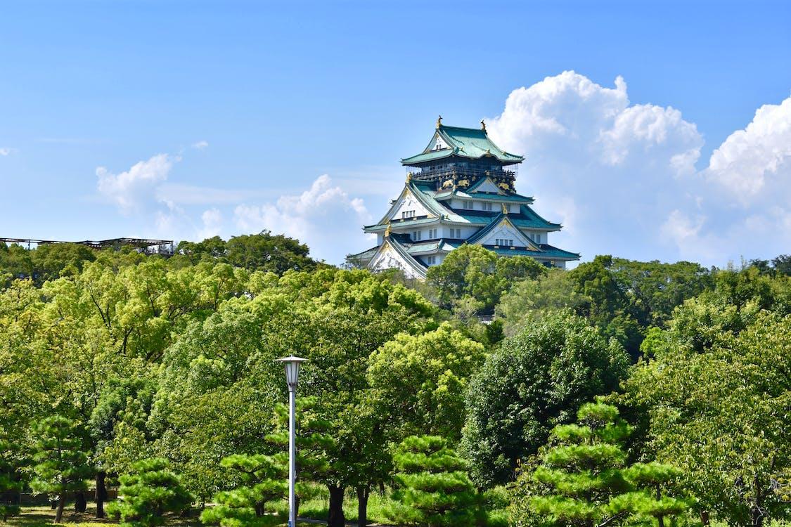 Asie, dědictví, hrad
