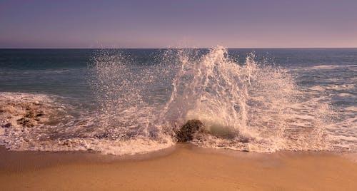 Gratis stockfoto met bij de oceaan, dageraad, golven, h2o
