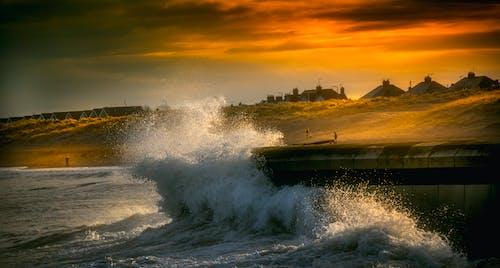 Fotobanka sbezplatnými fotkami na tému krajina, krajina pri mori, kývať, magická hodina