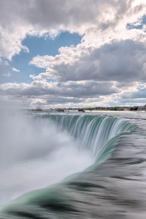 Бесплатное стоковое фото с вода, водопад, всплеск, море