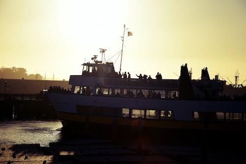 Darmowe zdjęcie z galerii z kapitan, kontrast, latający, łódź