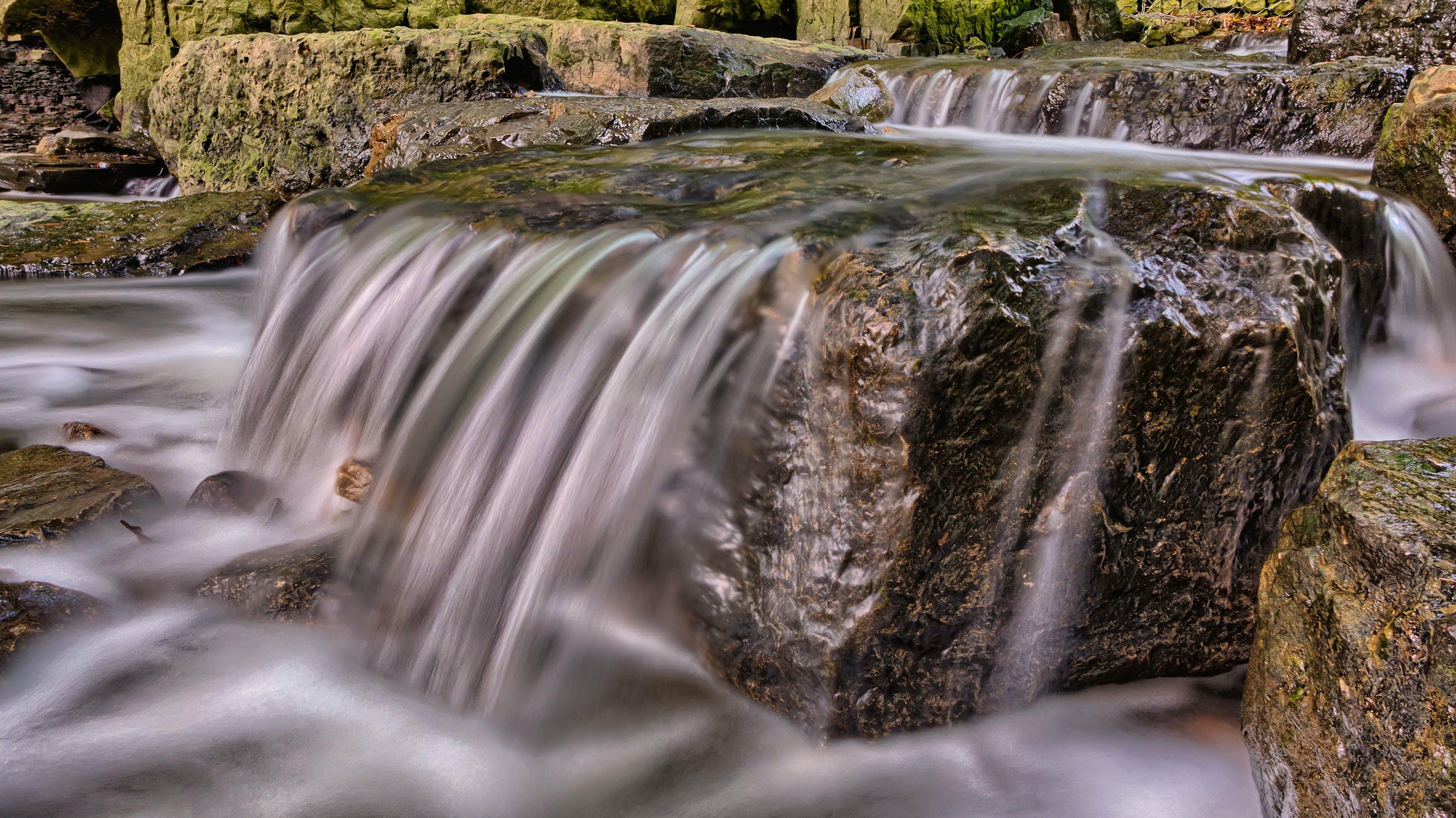 Kostenloses Stock Foto zu landschaft, wasser, felsen, bach