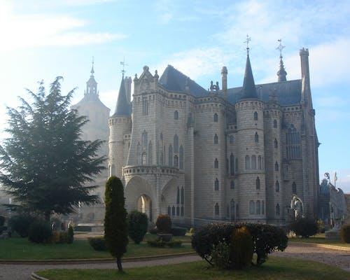 Gratis arkivbilde med katedraler, palasser
