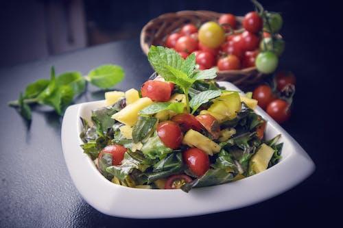 Безкоштовне стокове фото на тему «Помідори чері, свіжі овочі, фруктовий салат»
