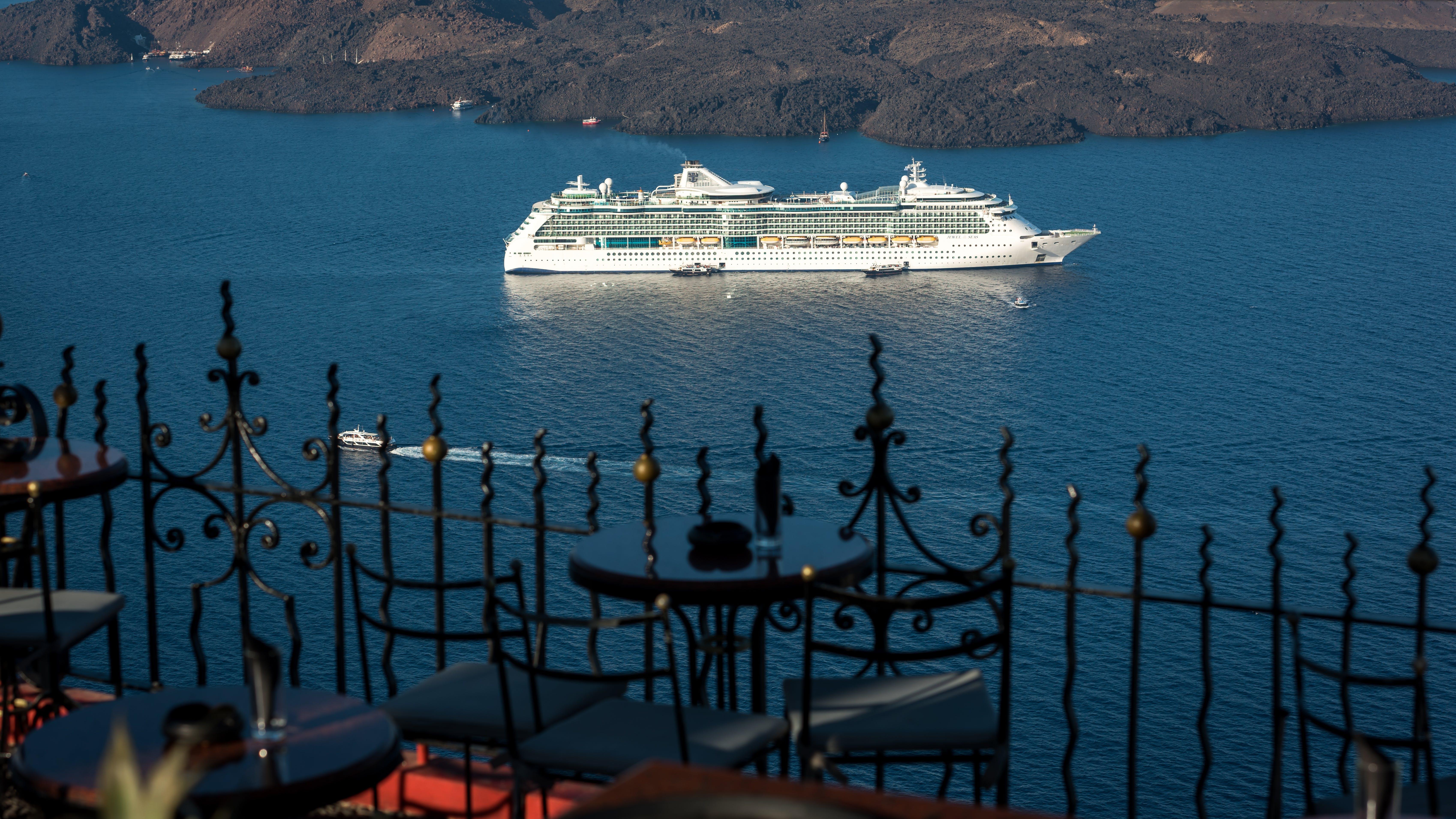 Free stock photo of beautiful view, chairs, cruise ship, islands