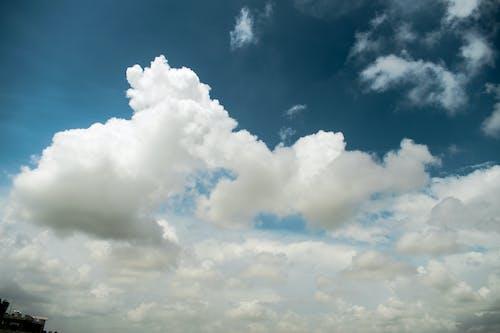 Безкоштовне стокове фото на тему «блакитне небо, пейзаж, фотографія природи, хмари»