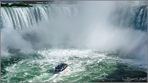 Photos gratuites de bateau, brume, cascade, cascades