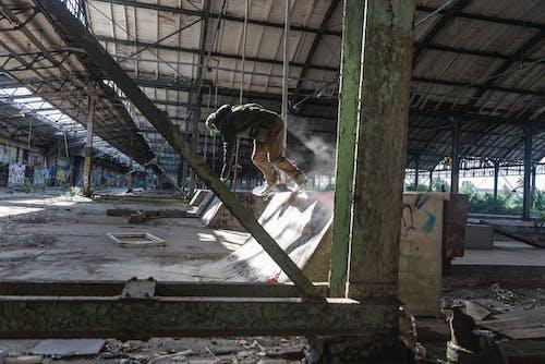 Fotos de stock gratuitas de abandonado, edificio, graffiti, grafiti