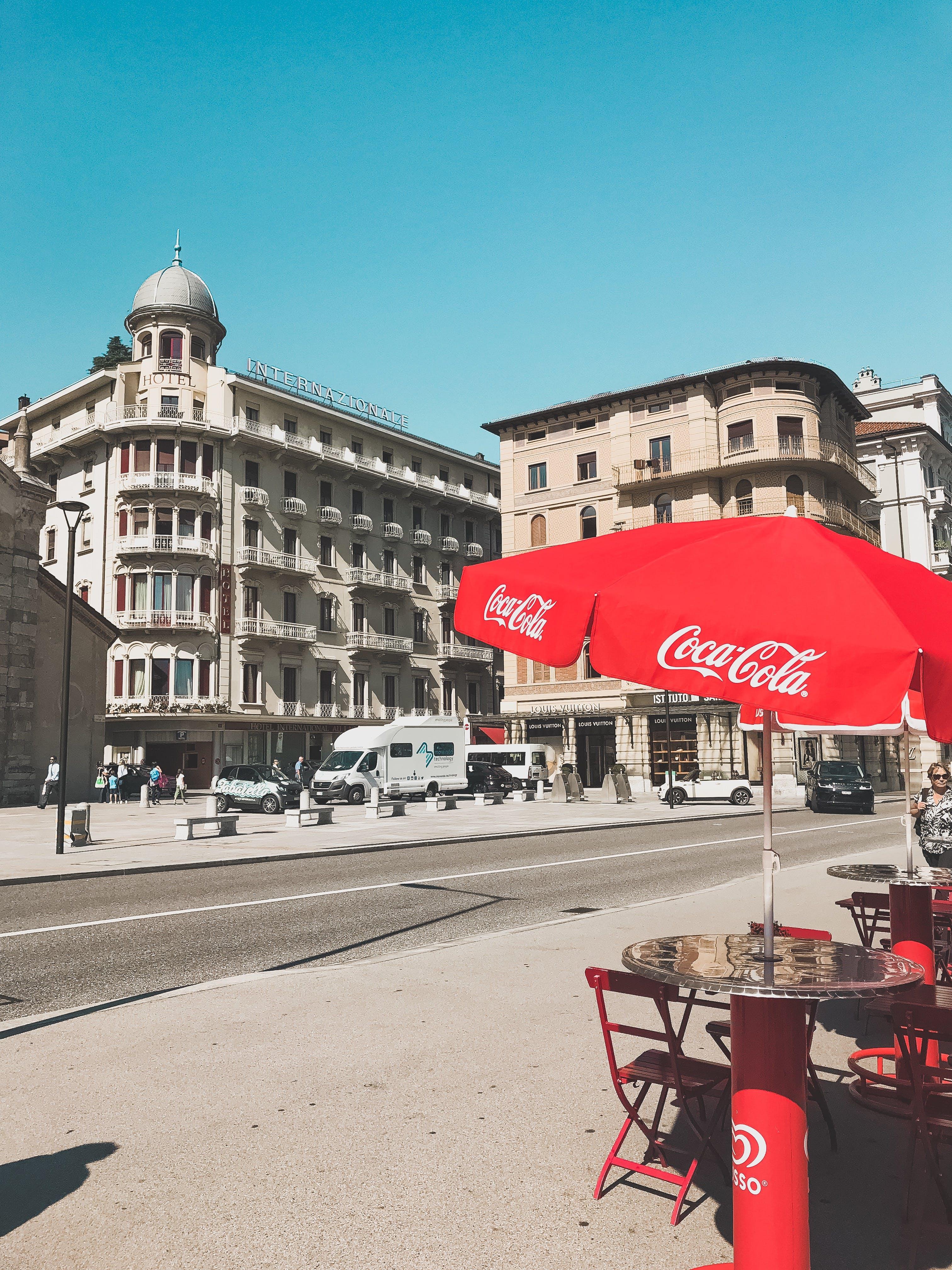 Ingyenes stockfotó autók, belváros, coca cola, emberek témában