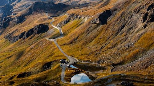 Gratis lagerfoto af bjerg, dagslys, fra oven, fugleperspektiv