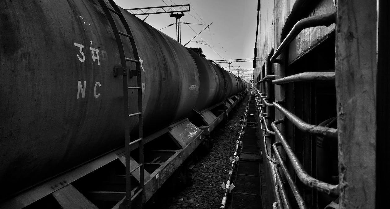 Foto profissional grátis de estação de trem, estação ferroviária, fotografia monocromática