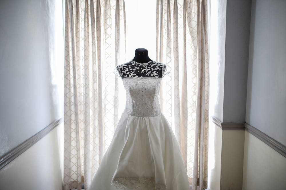 Photo of a bridal gown. | Photo: Pexels