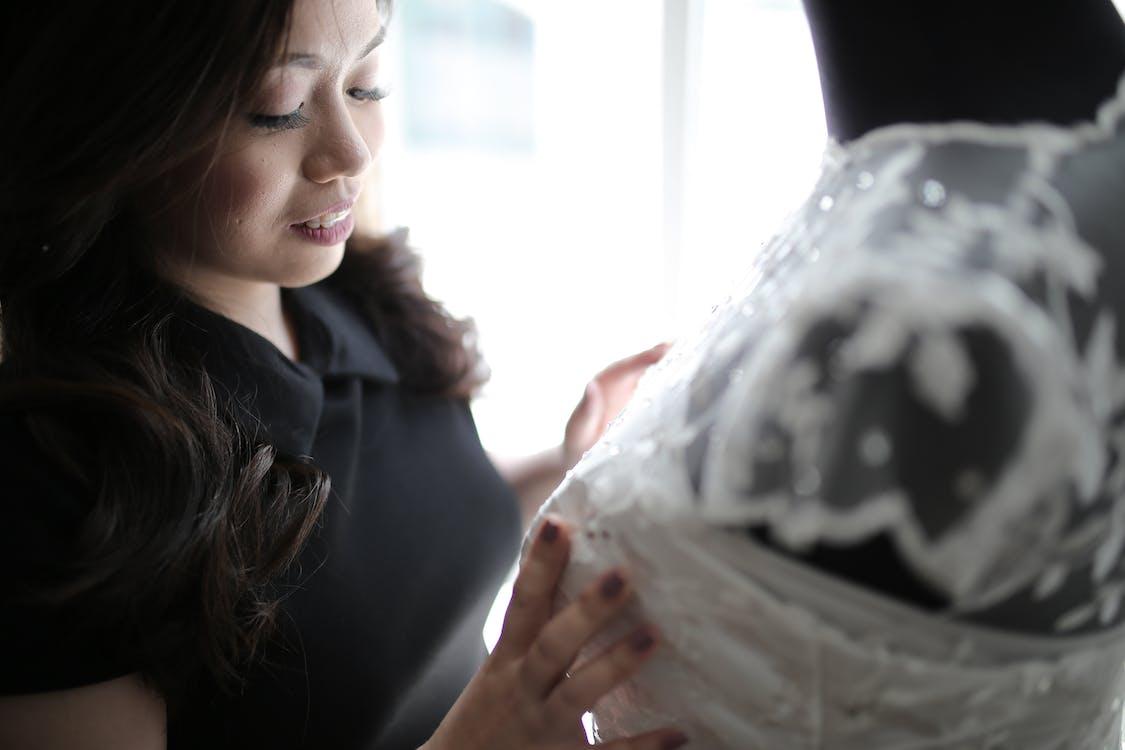 mariage, robe de mariée, sourire