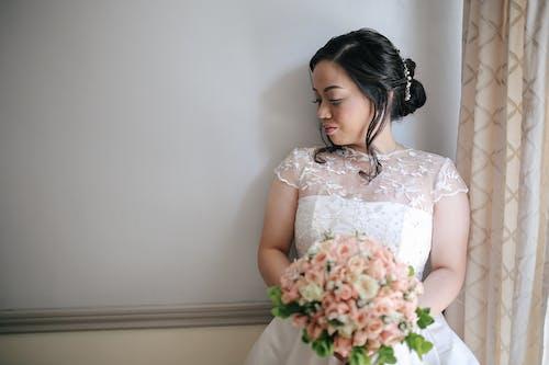 Foto stok gratis gaun pengantin, pernikahan, tersenyum