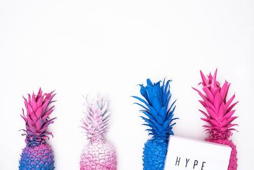 HD wallpaper z ananasowy tło, ananasy, artsy, białe tło