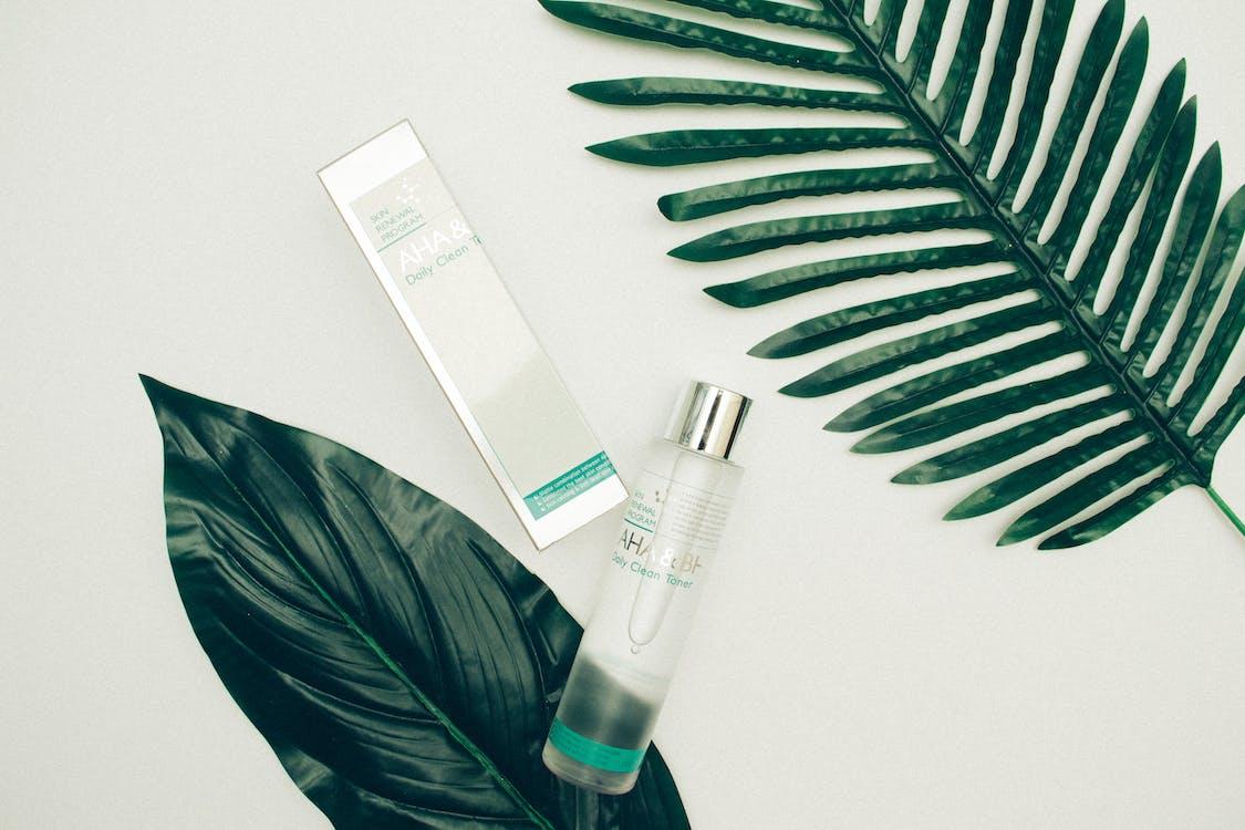 如果你是敏感肌,切勿揀選含有刺激性的化妝水,因為皮膚可能會出現痕癢紅腫的情況