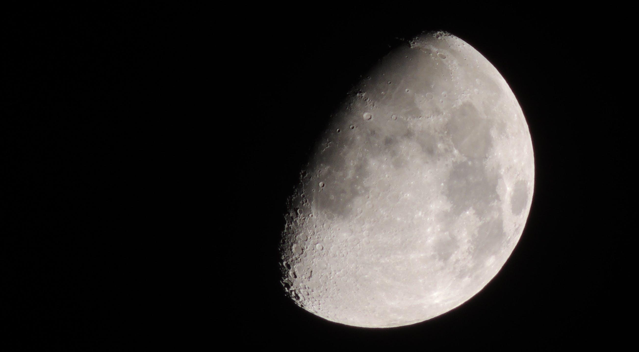 Kostenloses Stock Foto zu dunkel, krater, luna, mond