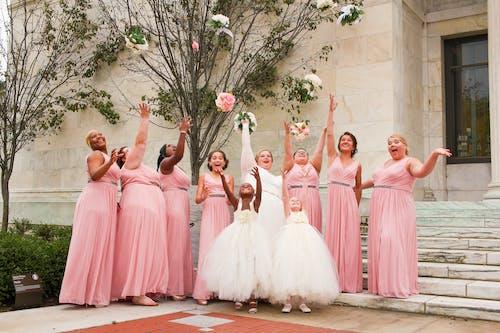 Immagine gratuita di abito, bouquet da sposa, celebrare, contento