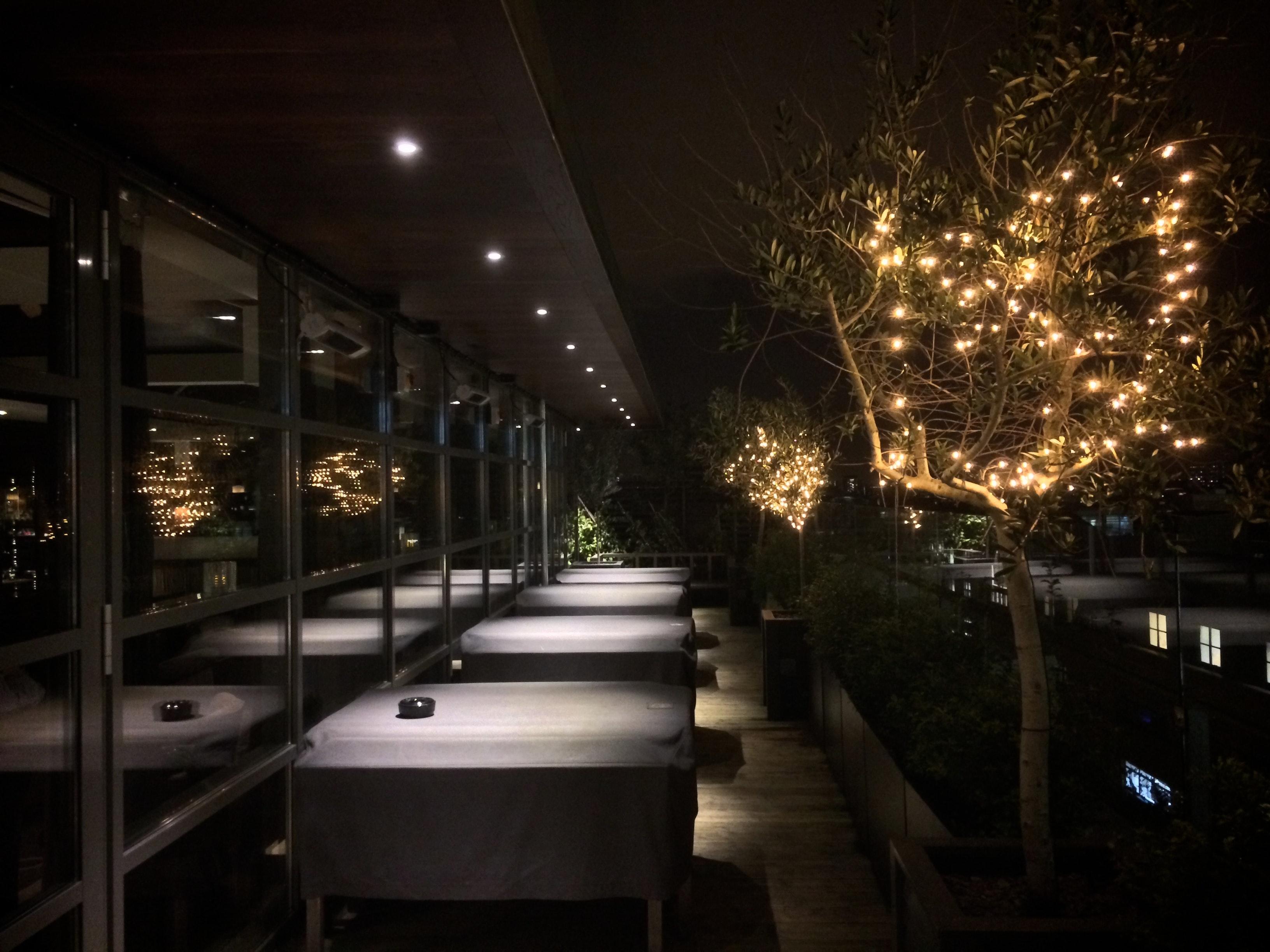 Weihnachtsbeleuchtung Für Balkongeländer.Kostenloses Foto Zum Thema Balkon Weihnachtsbeleuchtung