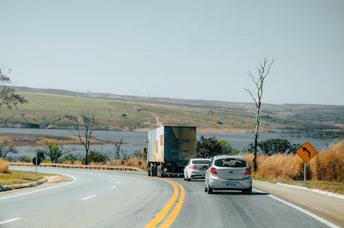Kostenloses Stock Foto zu auto, brasilien, laster, straße