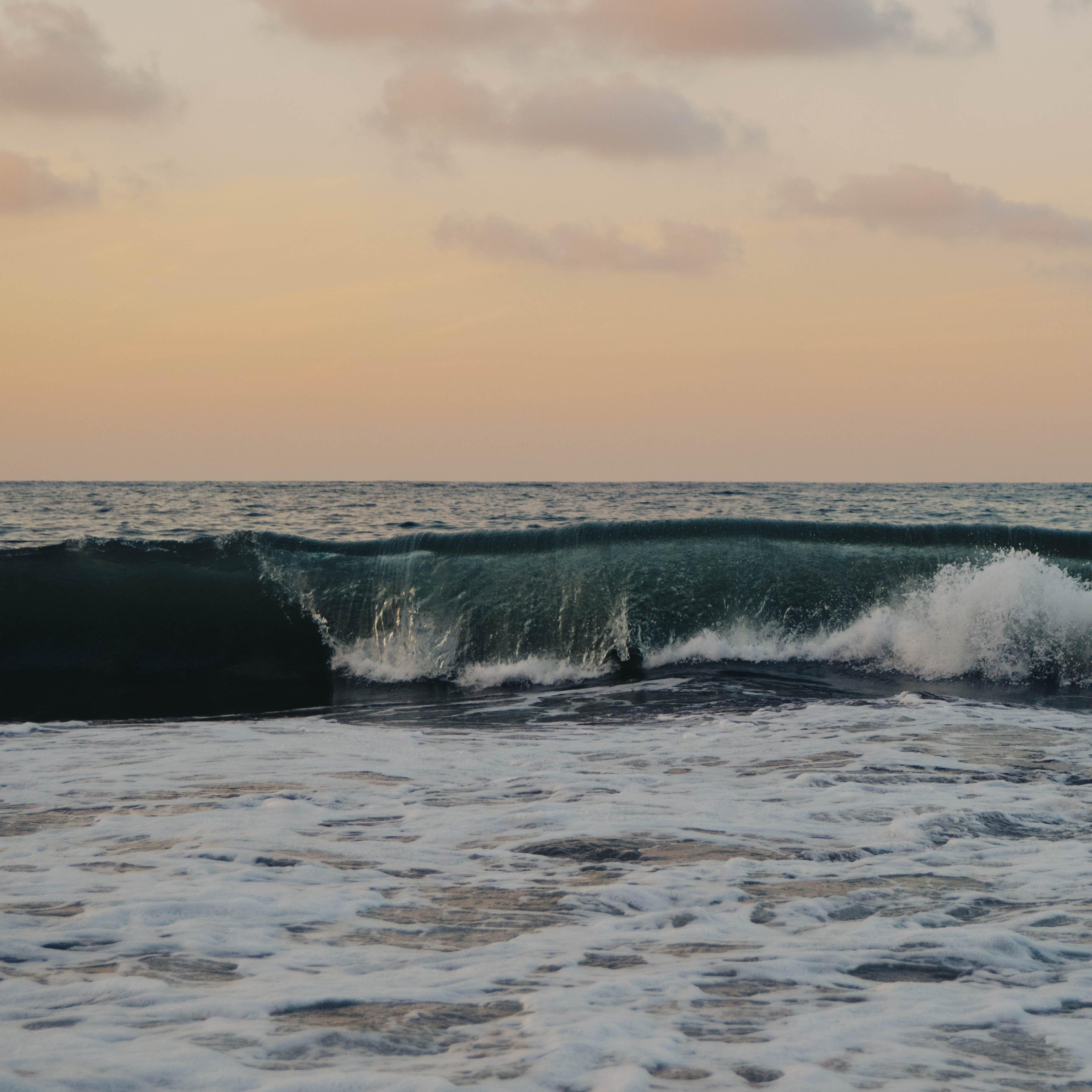 Sea Waves Digital Wallpaper