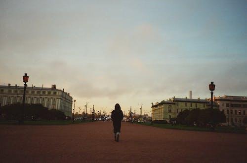 地標, 女人, 建築, 日落 的 免费素材照片