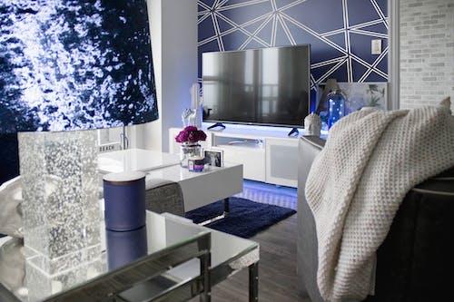 Бесплатное стоковое фото с белый, в помещении, голубой, гостиная