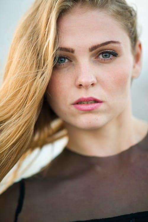 Ilmainen kuvapankkikuva tunnisteilla aikuinen, blondi, hiukset, huulet