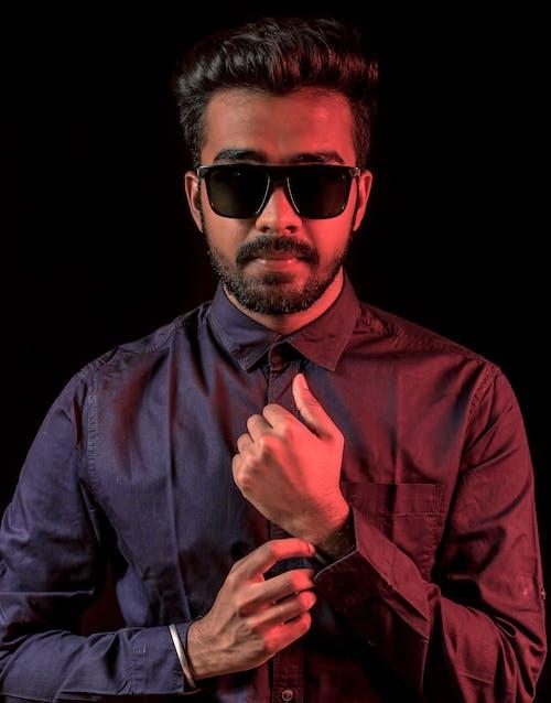 Foto d'estoc gratuïta de colors freds, foto vertical, indi, mans