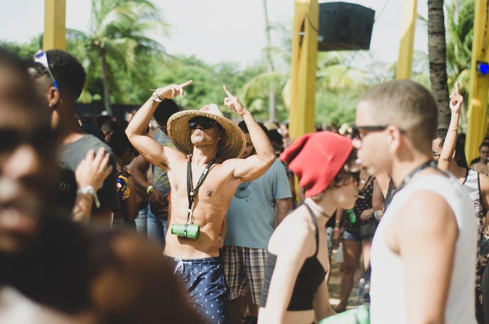 Partymeute | Quelle: Pexels