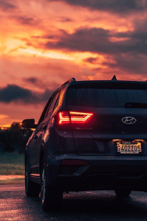 Безкоштовне стокове фото на тему «Hyundai, авто, автомобіль, асфальт»