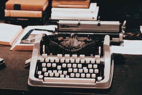 Fotografie Einer Weinlese Schreibmaschine Auf Tisch