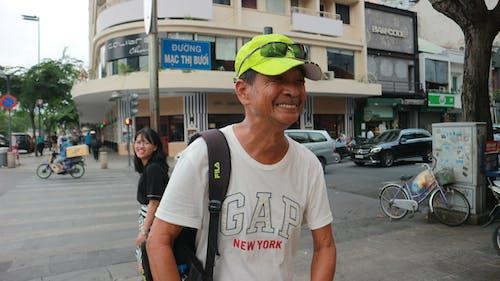 Fotobanka sbezplatnými fotkami na tému cestovanie, chôdza, chôdza po ulici, hočiminovo mesto