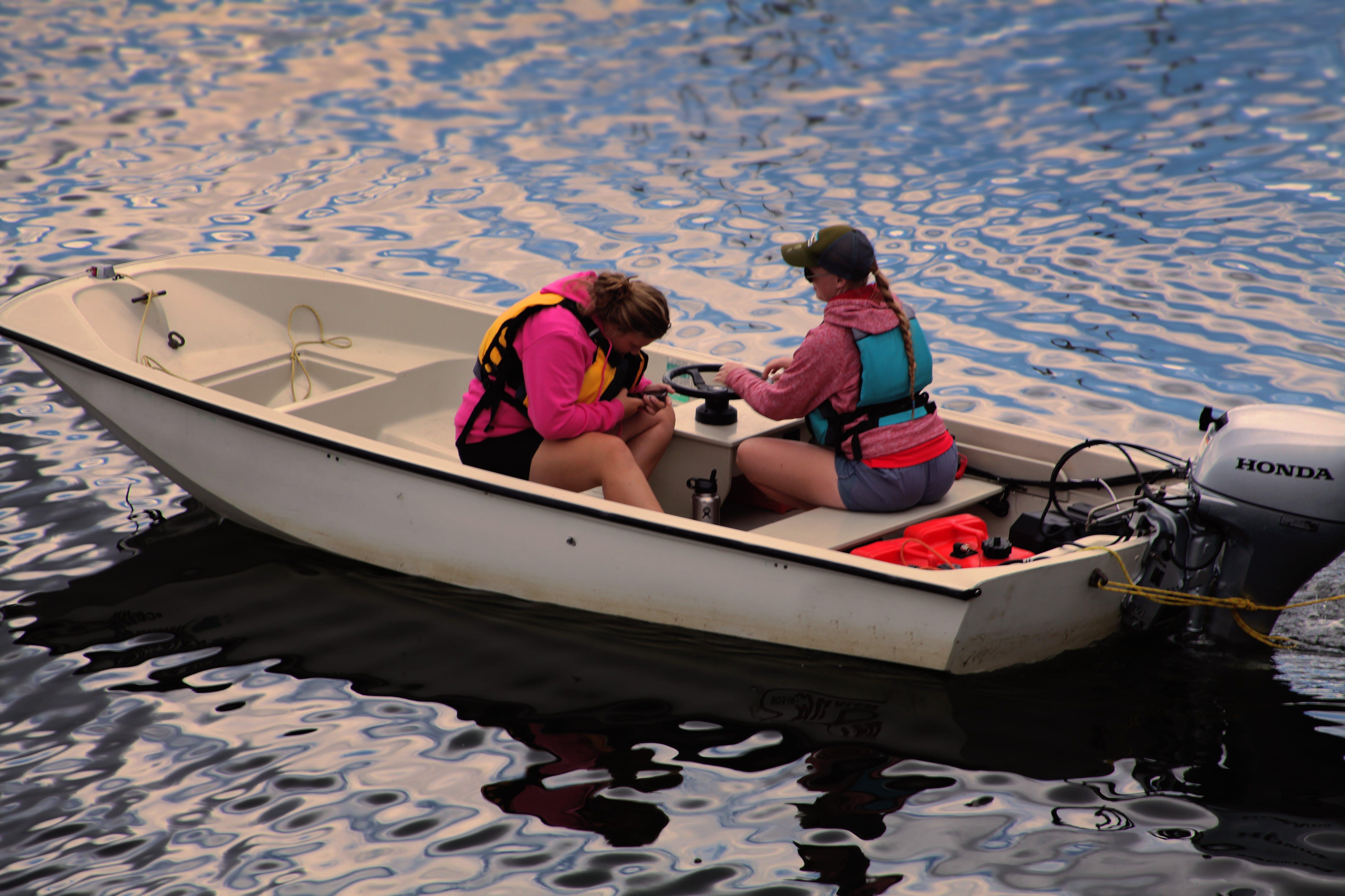 Foto stok gratis air, alam, istri, kapal motor