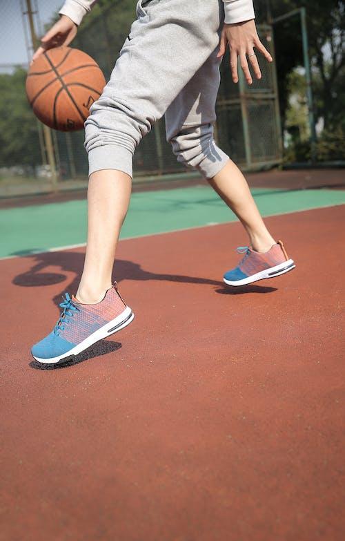 Photos gratuites de amusement, athlète, balle, baskets